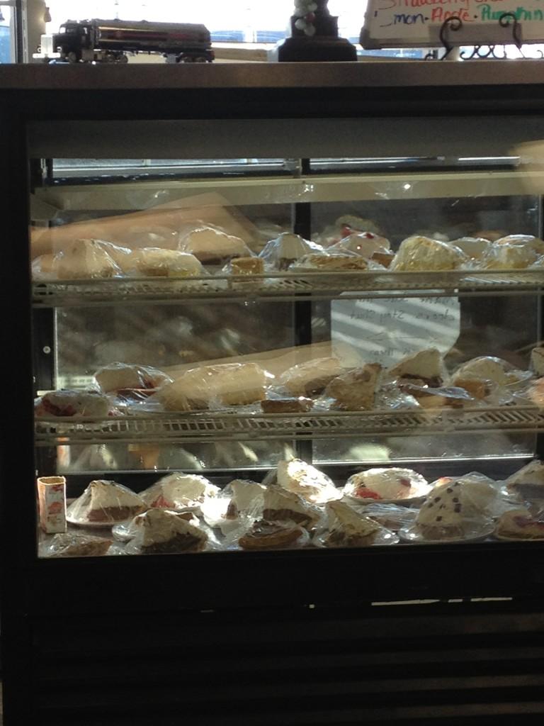 Pie case 18 Wheeler Diner
