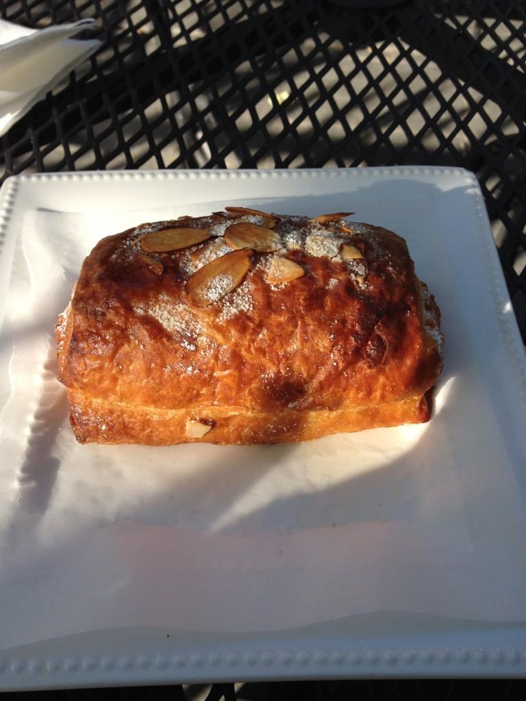 devine_grind_almond_croissant