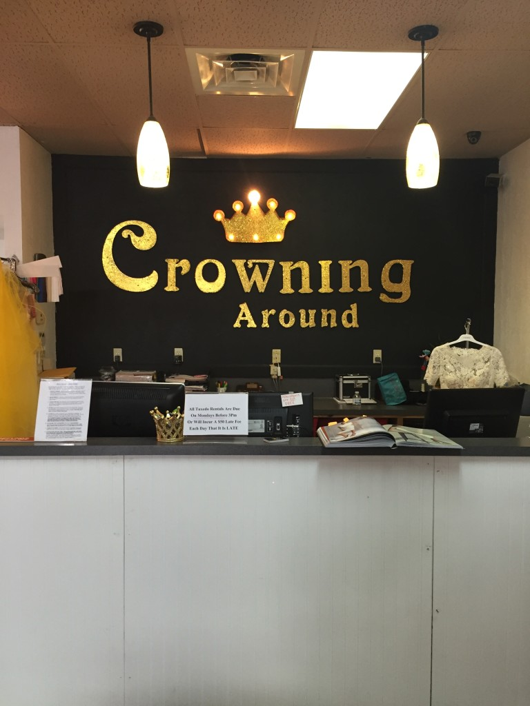 crowning_around_1